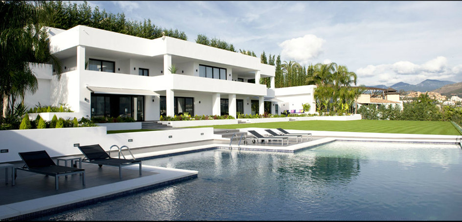 Eigentijdse villa in Las Brisas