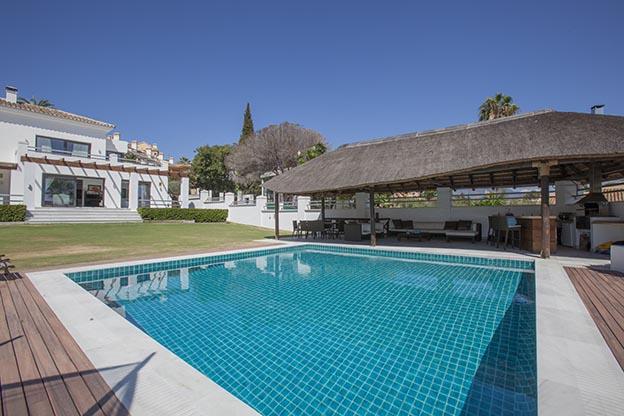 Moderne Villa Nueva Andalucia